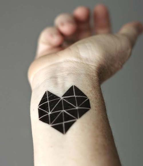 siyah kalp geometrik bilek dövmeleri black heart geometric wrist tattoos