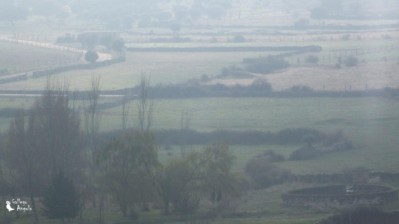 Panorámica con niebla del Caño de los Hermanos Rodríguez Laso