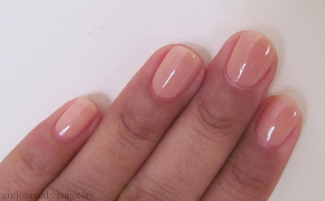 L'Oreal Color Riche A L'Huile Nail Varnish review,  L'Oreal Color Riche A L'Huile Nail Varnish cafe de nuit review