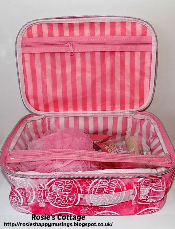 Soap & Glory In The Bag set bag interior