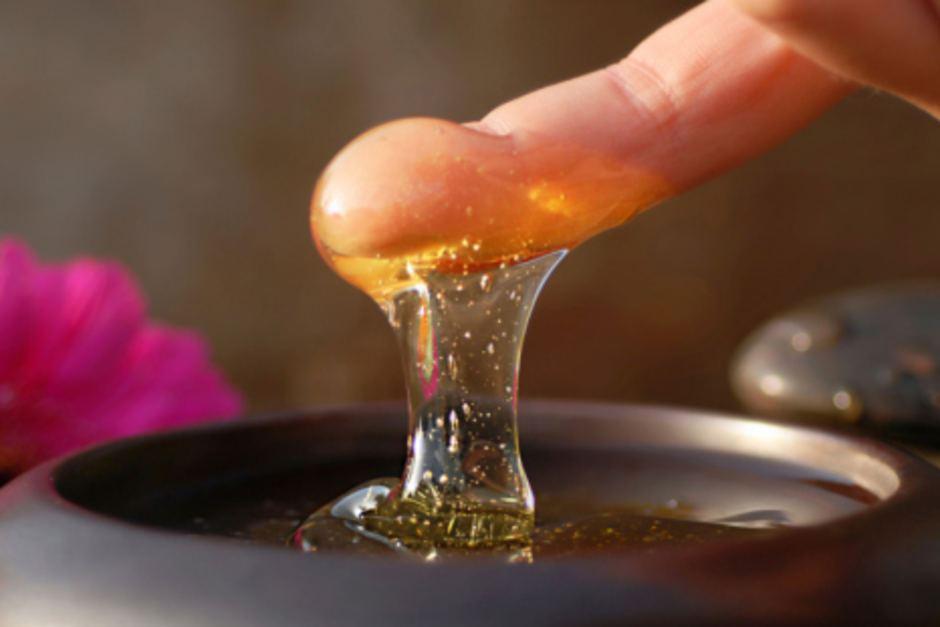 Με το δάχτυλο στο ...μέλι