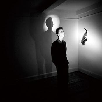 ニューウェイブなジョン・ルーリーの写真とパンクを効かせたフリージャズ風チャンクによる