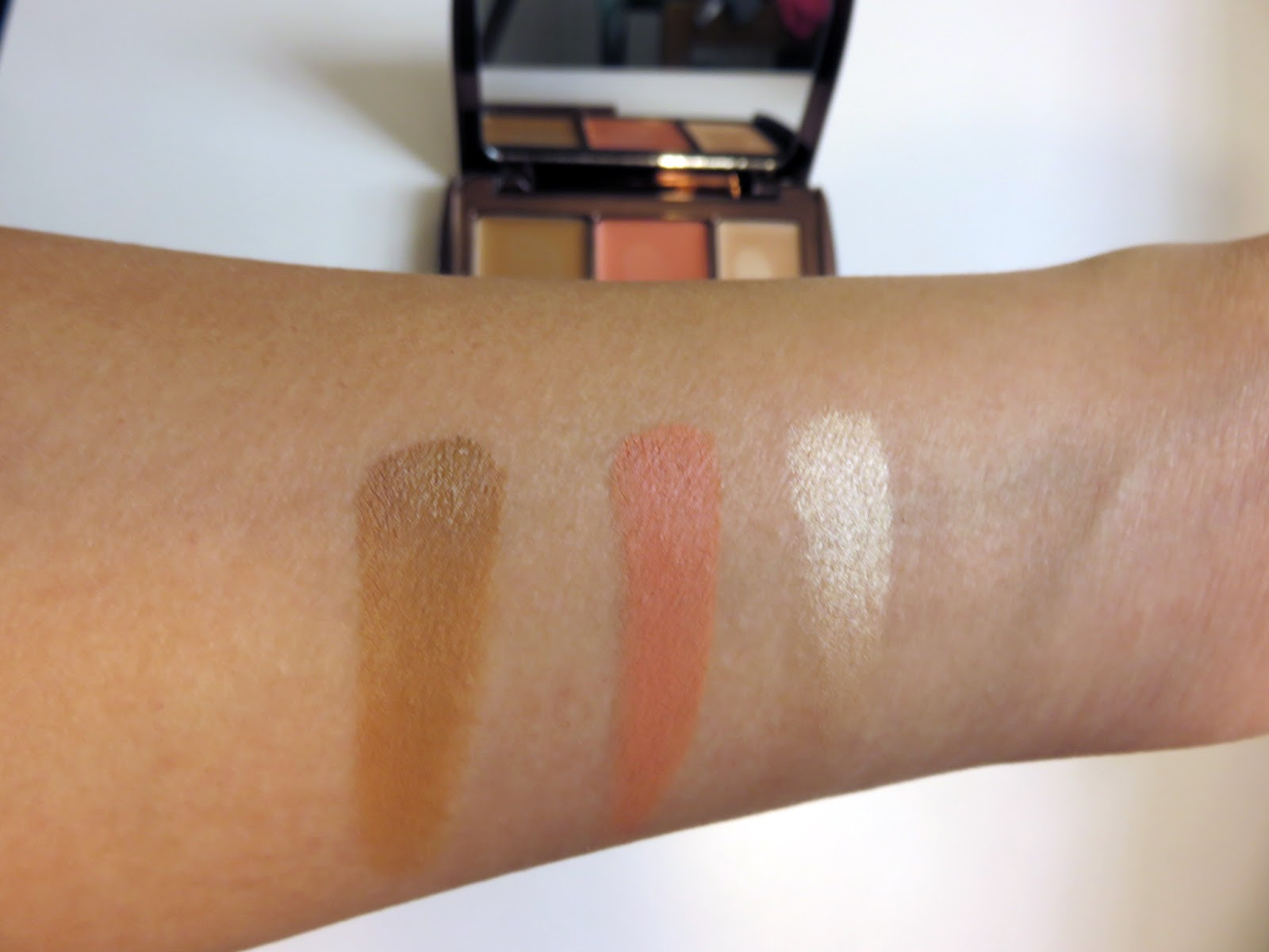 Illume Sheer Color Trio by Hourglass #8