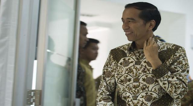 Jokowi Curhat Difitnah PKI Saat di Pesantren