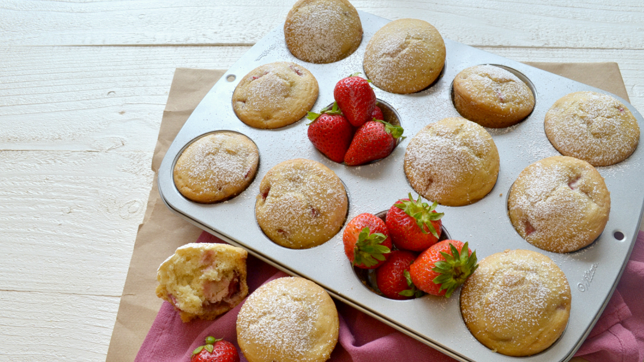 Vanilla & Strawberry Muffins