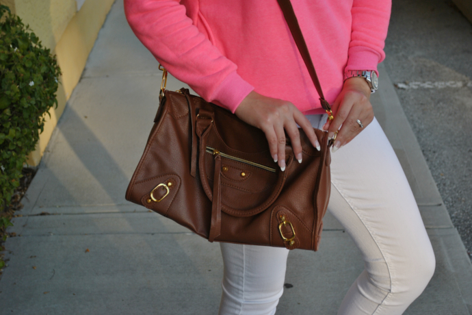 brown flats outfit, Studded Shoulder Sweatshirt, Charlotte Russe White Refuge, Arafeel bag, Payless Flats, White Skinny Jeans