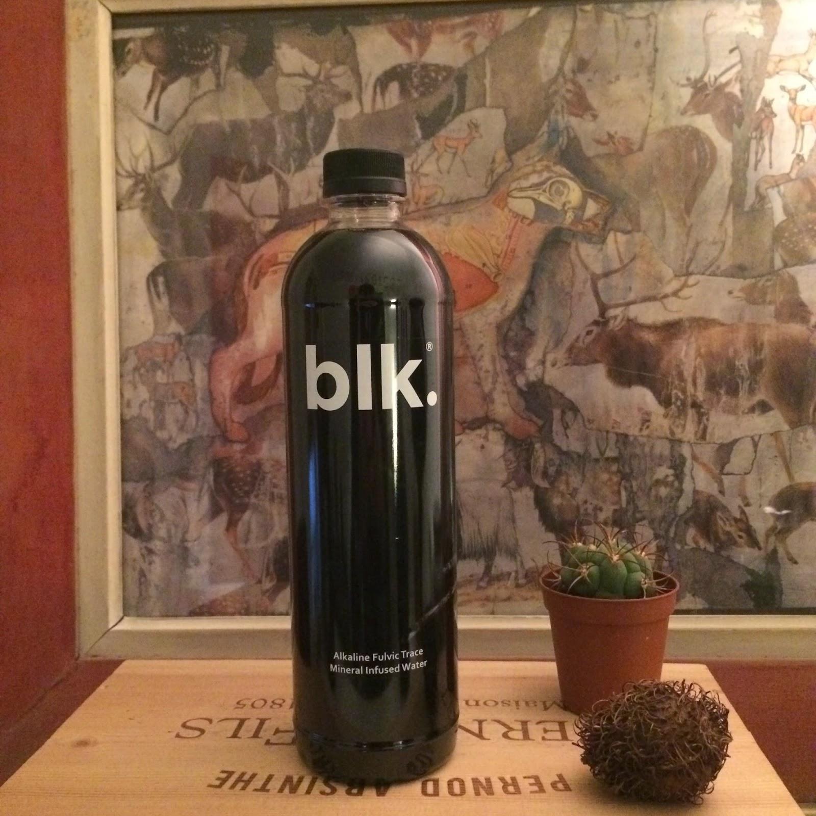 spiritueux magazine blk le c t obscur de l 39 eau min rale. Black Bedroom Furniture Sets. Home Design Ideas