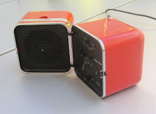 Picture of Zanuso-designed folding radio