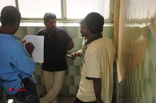 Enakku Vaaitha Adimaigal Tamil Movie Working Stills  0017.JPG