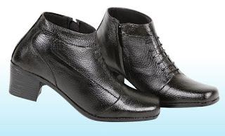 Jual sepatu boots wanita murah meriah ZA9863 bahan kulit warna hitam ukuran 37 sd 42 stok terbatas