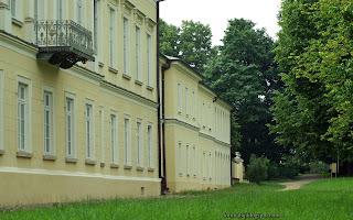 http://fotobabij.blogspot.com/2016/03/paac-czartoryskich-balkon-od-strony.html