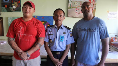 Andrew Chan (left) and Myuran Sukumaran in Kerobokan Prison's art studio
