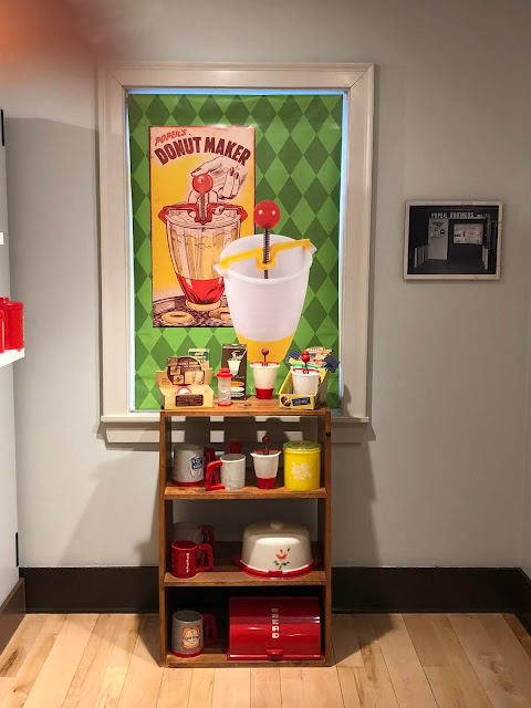 Learn about the Chicago history of Ronco and Popeil Products at Naper Settlement.