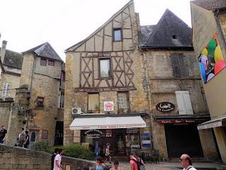 sarlat - Guia de Roma em Dordogne, França!
