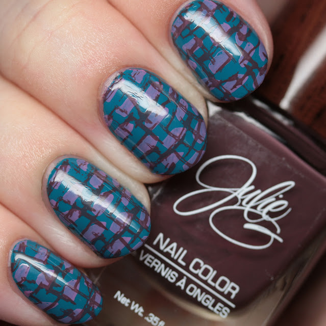 Julie G Nails 70214 Karma stamped with Henna and Harmony using Uber Chic plate 15-02