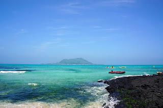 Menyusuri Keindahan Pantai Hyeopjae Jeju