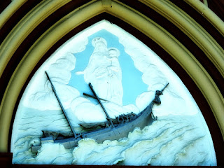 Autorelevo na Fachada da Igreja de Nossa Senhora dos Navegantes, Porto Alegre