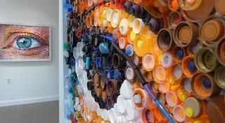 Mary Ellen Croteau - Arte con tapas plásticas