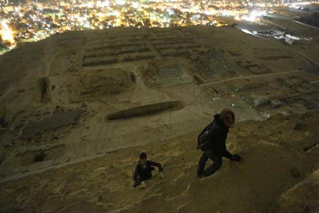foto-yang-diambil-dari-puncak-piramid-secara-rahsia-7