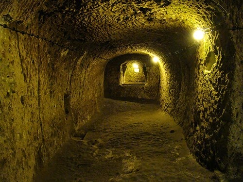 10-Derinkuyu-Anatolia-Turkey-Secret-Underground-Cities-Architecture-www-designstack-co