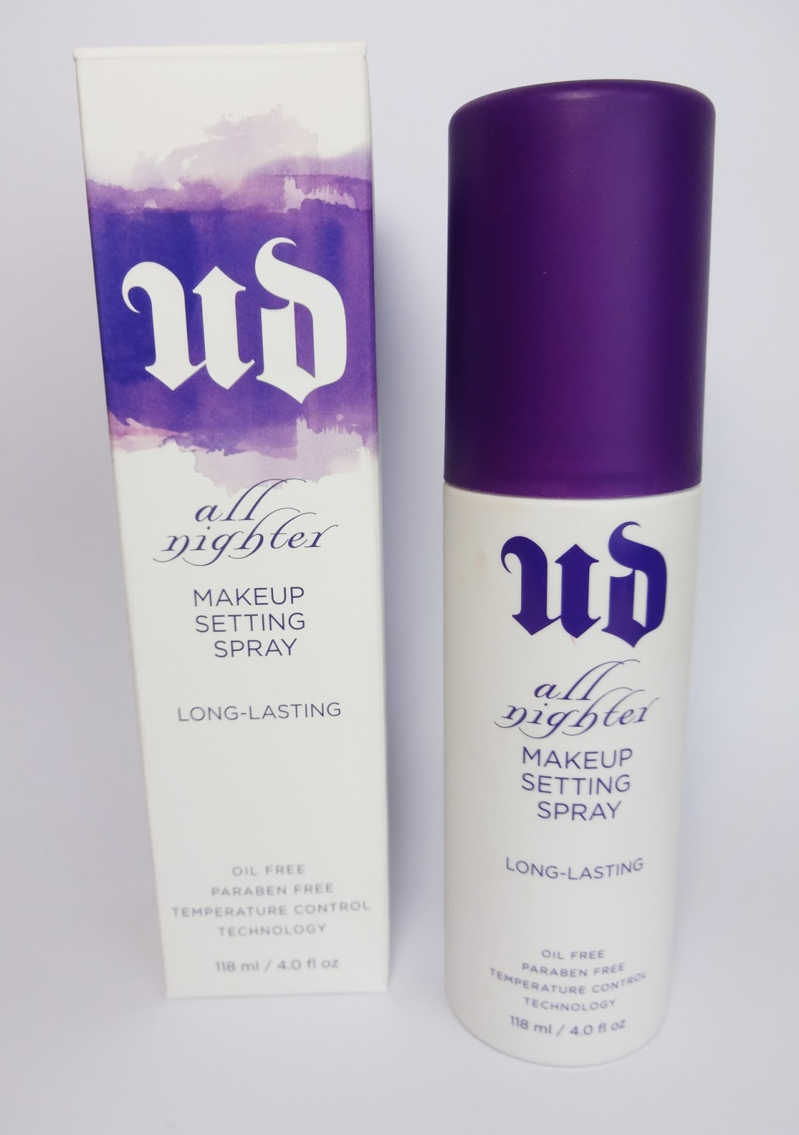 Urban Decay -  All Nighter Long-Lasting Makeup Setting Spray Review Pretty Clover Beautyblog