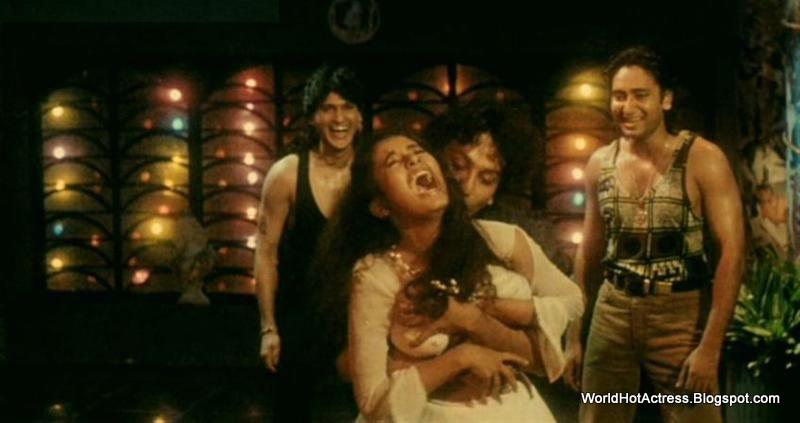 Unseen Bollywood Actress Boob Press 28 Screenshot Of It -4718