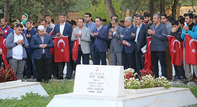 Diyarbakır'da 57. Alaya Vefa yürüyüşü düzenlendi