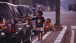 putus sekolah dan akibatnya mereka bisa saja menjadi anak jalanan