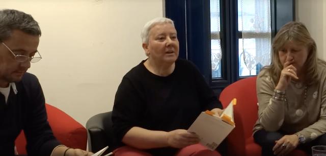 LOLA CALLEJÓN lee su poema SAXO