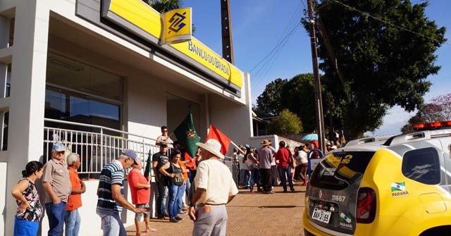 Nova Cantu: População se mobiliza pela reabertura da Agência do Banco do Brasil
