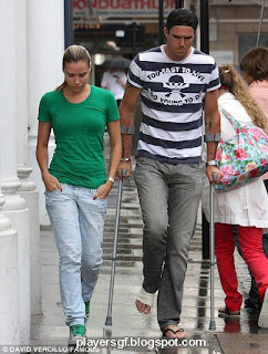 Kevin Pietersen in injury and his wife Jessica Taylor
