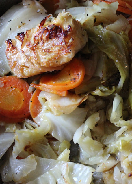 This delicious braised cabbage medley is paleo-friendly and whole30 compliant!