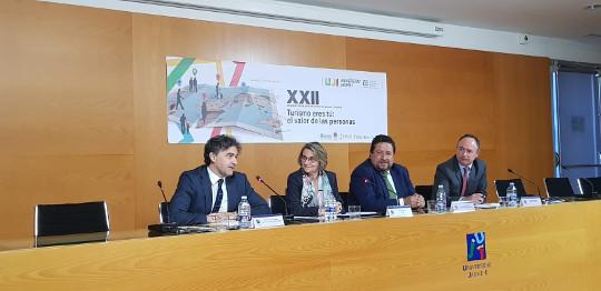 Colomer destaca 'el acierto de centrar el Congreso Turismo Universidad Empresa en la búsqueda del valor humanista del turismo'