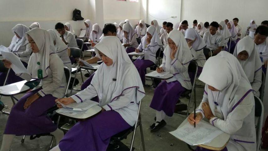 UTS : 48 Mahasiswa Semester 6 Ikuti Ujian Tengah Semester Genap Tahun Akademik 2016-2017 stapbaak