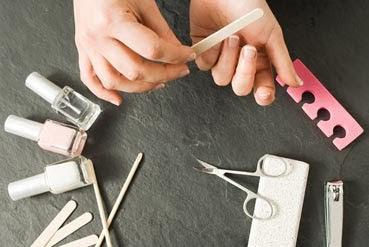 6 نصائح عليك مراعاتها عند برد أظافرك