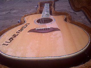 TAYLOR CUSTOM SOLID ROSEWOOD