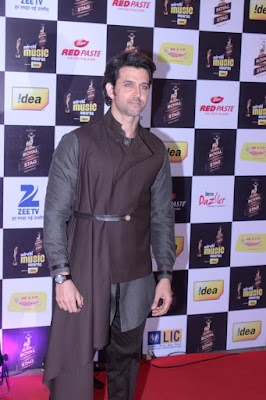 hrithik-introduces-rados-chocolate-brown-collection