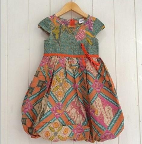 20 Model Baju Batik Anak Perempuan Kreasi Baru Dengan ...