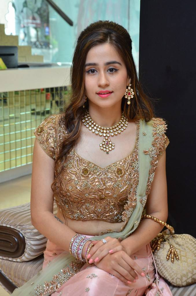 Simrath Juneja Stills At Splurge Divalicious Curtain Raiser Event