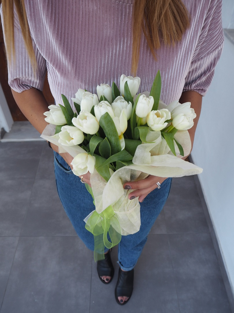 tulips bouquet