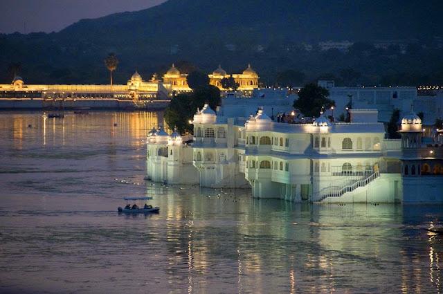 El palacio flotante del lago de Udaipur