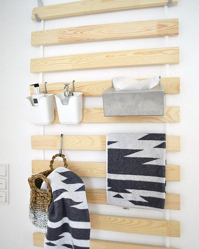 10 impressive ikea hack ideas for fall poppytalk for Ikea barso trellis