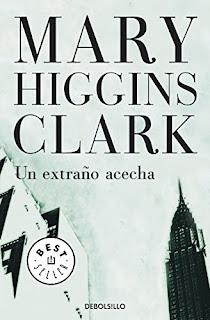 Un Extra�o Acecha - Mary Higgins Clark