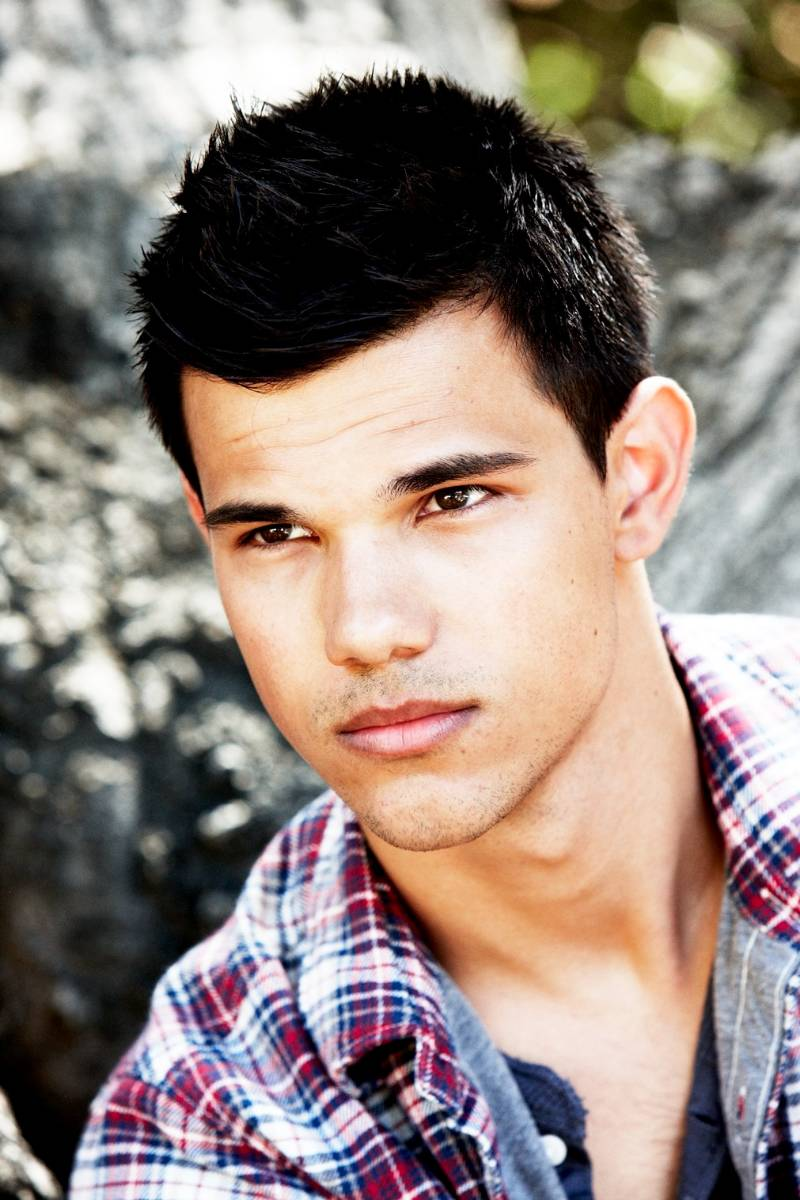 OFFICIAL TAYLOR LAUTNER FAN PAGE: New Photo's Taylor photo ...
