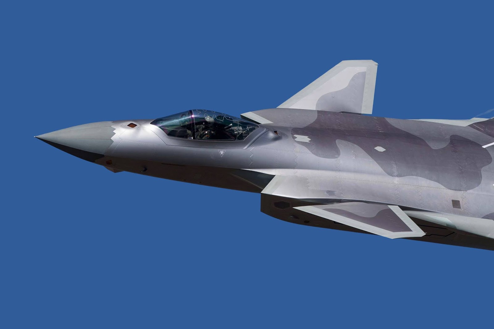 Chinese Chengdu J-20 stealth fighter - Page 7 45979419_901374453400589_7007866530771763200_o