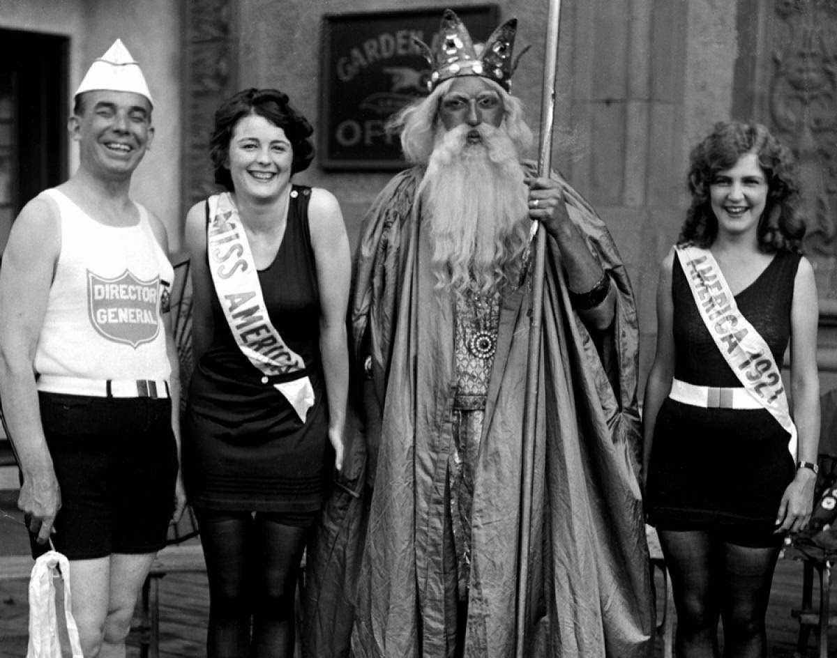 Pictures of America Beauty Pageants since the 1920s