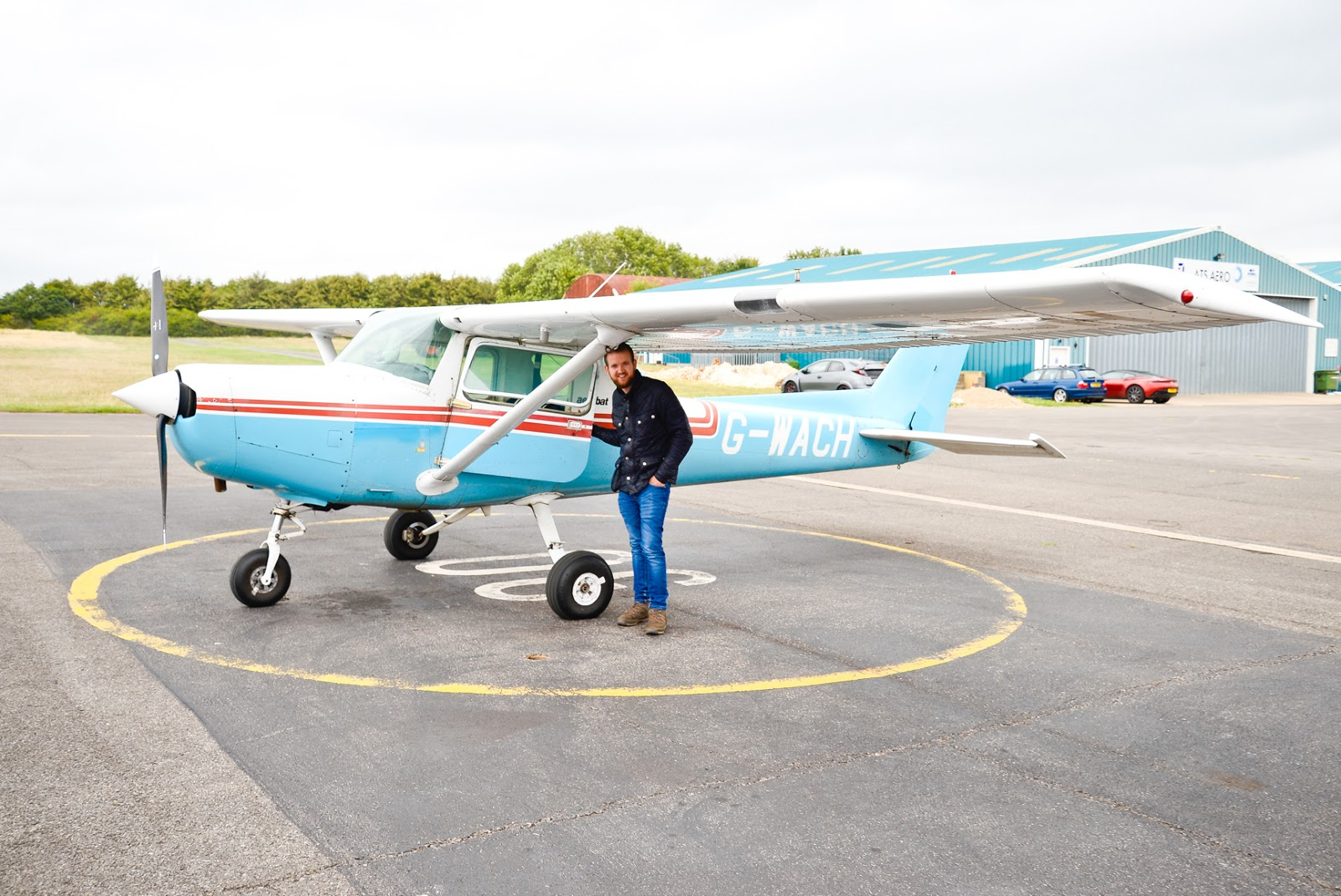 flying a plane gift experience, wycombe air park,