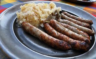 Nürnberger Bratwurst with sauerkraut by Eviyani Lubis