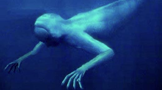 Los profundos lagos de Rusia están poblados por una raza de humanoides gigantes subacuáticos