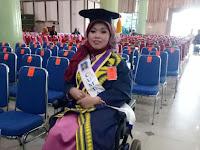 Cacat Fisk  Alfiana Tetap Raih Prestasi Akademi